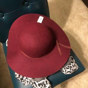 Felt round trip hat